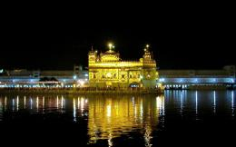 Full View and Download golden temple Wallpaper 2 with resolution of 951