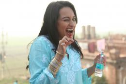 20133:52 pm# sonakshi HD Wallpapers # Indian Actress HD wallpapers 1467