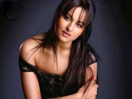 21 OOPS Sonakshi sinha Hot Wallpapers From Holiday Movie 252