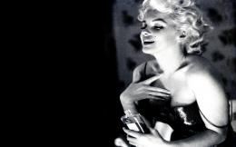 Chanel Marilyn Monroe No Photo Hd Wallpaper with 1920x1200 Resolution 1536