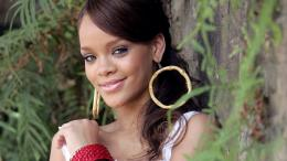 rihanna smile wallpapers 2011 9685695, this rihanna smile wallpapers 659