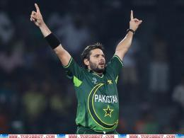 Shahid Afridi Stylish Wallpaper 2012 1131