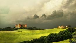 Download wallpaper Old castle under thunderclouds in Tuscany, Italy: 284