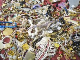Great gobs of Vintage Costume Jewelry, all $10 00 each & LESS! 1105