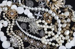 Antique Jewelry Wallpapers, Expensive Pearls Jewelry, 1425