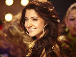 Anushka Sharma smile hd Wallpapers Anushka Sharma Wallpapers| HD 313