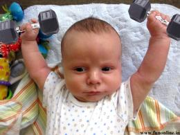 Funny Baby practicing Weight Lifting Wallpaper 1491