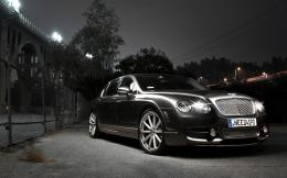 Bentley Continental Flying Spur 426