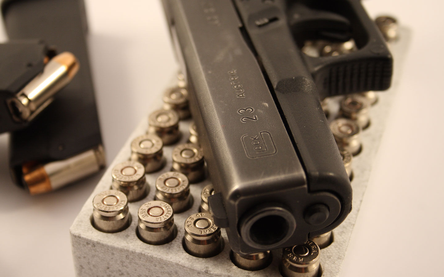 Glock Pistol HD Wallpapers | Glock Pistol Pictures | Cool Wallpapers 1310