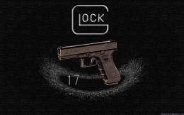 "An early ""third generation\"" Glock 17 1130"