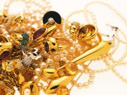 1600x1200 Wallpaper jewelry, gold, diamonds, heap, decorations 1781