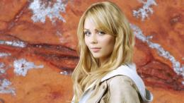 Laura Vandervoort HD Wallpaper 911