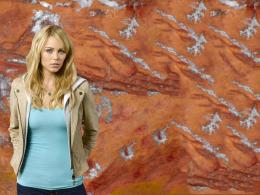 Laura Vandervoort HD Wallpaper | Laura Vandervoort Pictures | Cool 1015