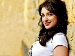 Parineeti Chopra Wallpapers 1995