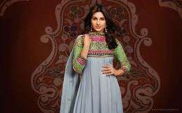 Title: Parineeti Chopra Fashion Wallpaper 904