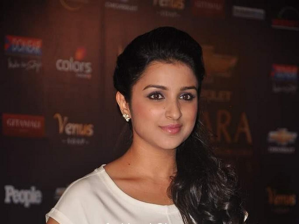 Parineeti Chopra Wallpapers and Biography 1 jpg 1901