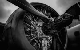 Airplane Plane Engine Propeller black white wallpaper | 2880x1800 648