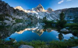 Mountain lake scenery Wallpapers Pictures Photos Images 1221