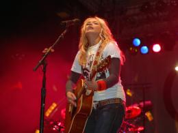 Free Miranda Lambert, computer desktop wallpapers, pictures, images 577