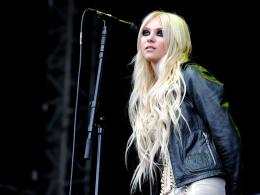 Taylor Momsen Wallpapers 1908