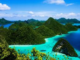 1600x1200 Indonesia Islands Blue Water desktop PC and Mac wallpaper 1706