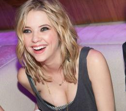 Fichier:Ashley Benson Full HD Wallpaper 8 jpg 416