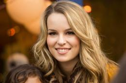 Bridgit Mendler HD Wallpaper 1418