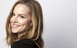 Bridgit Mendler HD Wallpaper 1722