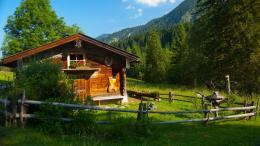 Home » Nature »Rustic cabin in the mountains HD Desktop Wallpaper 673
