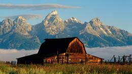 1366x768 Mountains and cabin desktop PC and Mac wallpaper 1032