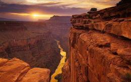 Huge red Canyons Wallpapers Pictures Photos Images 810