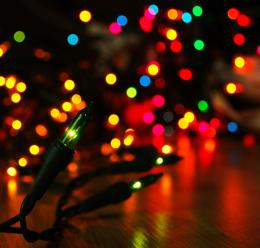 www freecodesource com wallpapers wallpaper Christmas Lights Rainbow 682