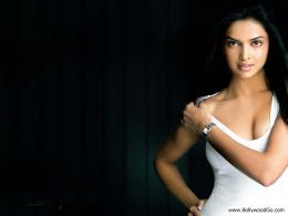 Hot Bollywood: Deepika Padukone Hot Wallpapers 598