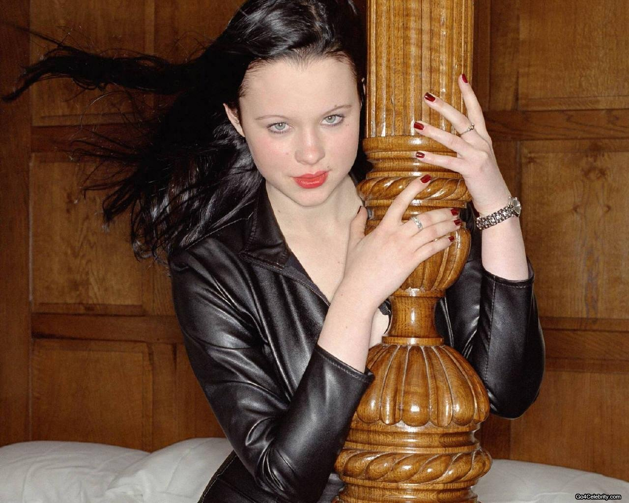 Thora Birch15 HD wallpapers 477