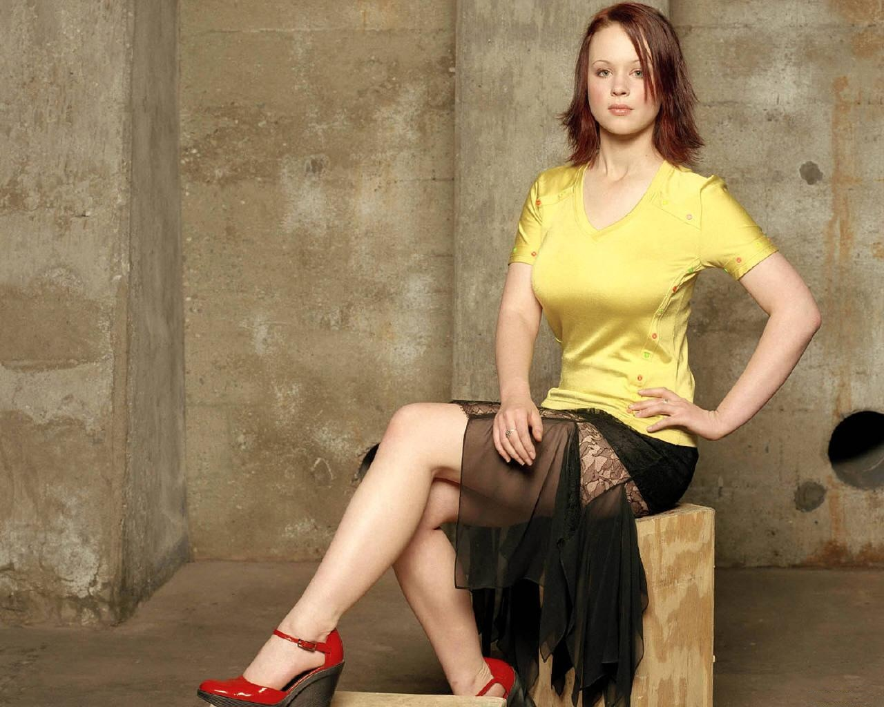 Thora Birch HD Wallpaper | Thora Birch Images | Cool Wallpapers 374