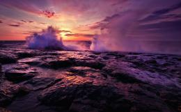 Download Wallpaper Surf, waves crashing on the rocks2560x1600 763