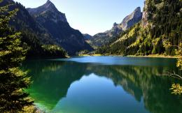 Green Mountains Wallpapers HD 1067
