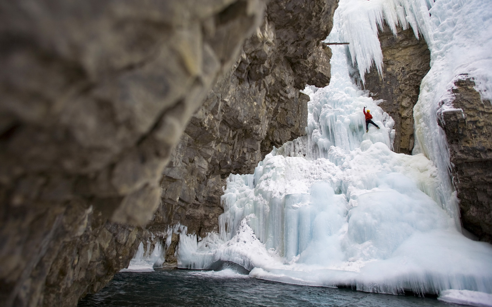 ice climbing wallpaper - photo #14