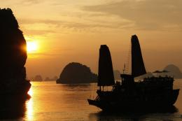 Sunset Halong bay 1024x682 Indochina Junk and Yen Duc Village Tour win 814