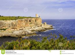 Lighthouse On Cliff Royalty Free Stock PhotographyImage: 5627197 1415