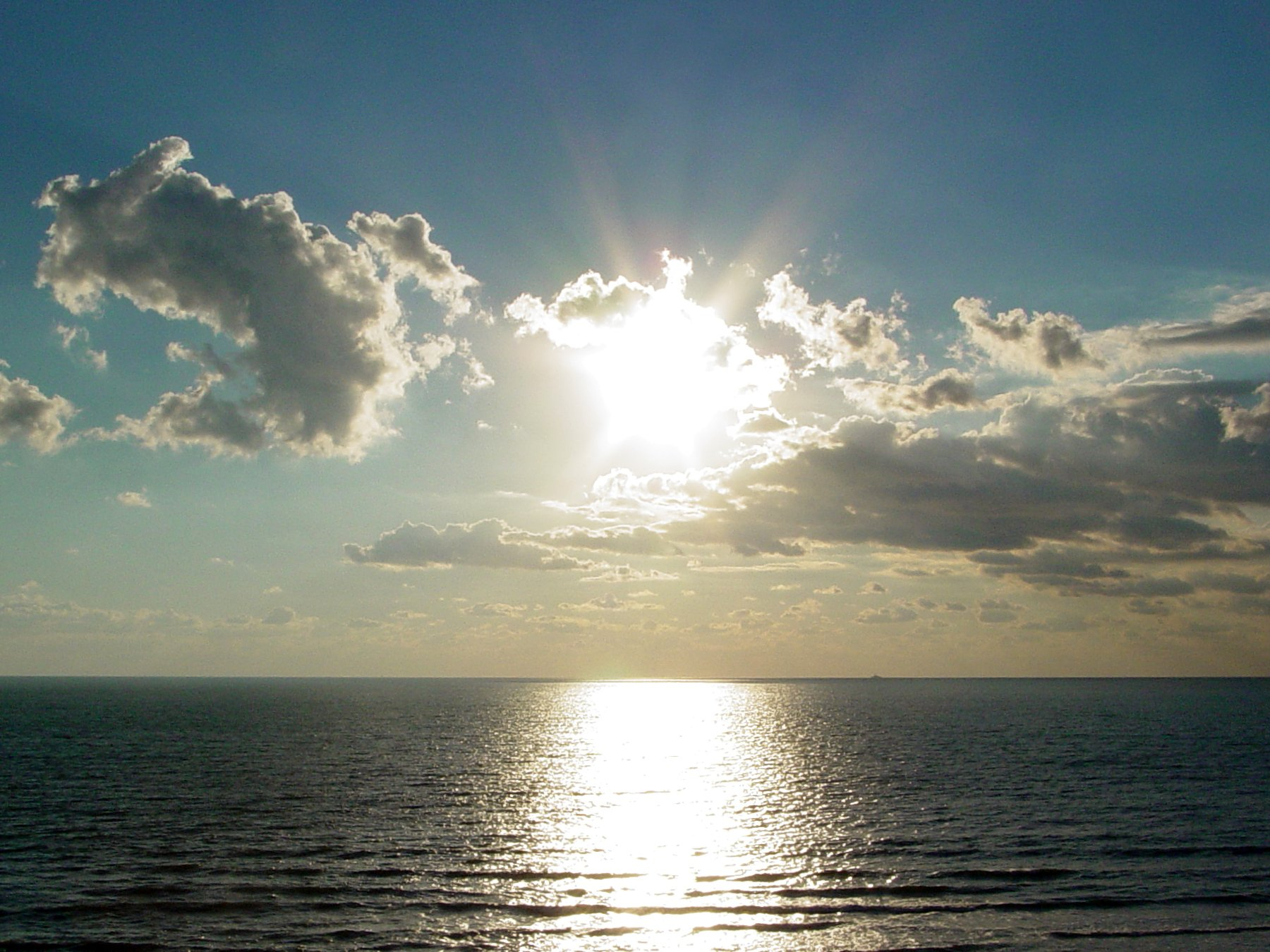 Mid morning sun over the Atlantic Ocean at Virginia Beach, Virginia 208
