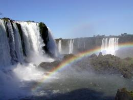 rainbow over iguassu falls 1600x1200 wallpapers iguassu falls rainbow 270