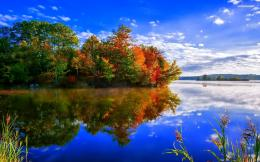 Amazing colors reflecting in the lake wallpaper 778
