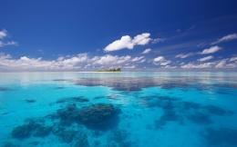 lonely tropical island ocean crystal clear water nature wallpapers 1004