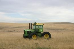 PanoramioPhoto of Wheat Fields & Abandoned Tractor 1270