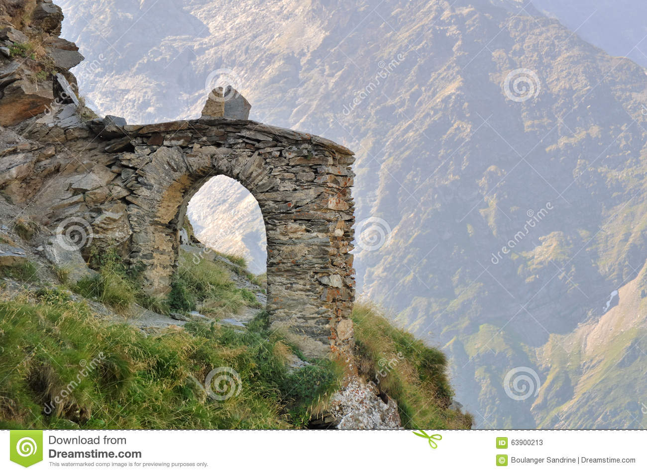 Stock Photo: Stone arch in mountain 1226