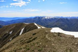 30From the summit, towards the north east, is the green Kiewa Valley 740