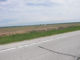 Typical flat landscape of IllinoisWhat we saw all day 1085