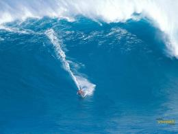 Download Surfing a Giant Wave Desktop Wallpaper in high resolution for 963