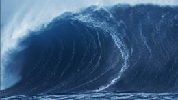 Video of 90ft wavebiggest wave ever surfer and caught on camera 1620
